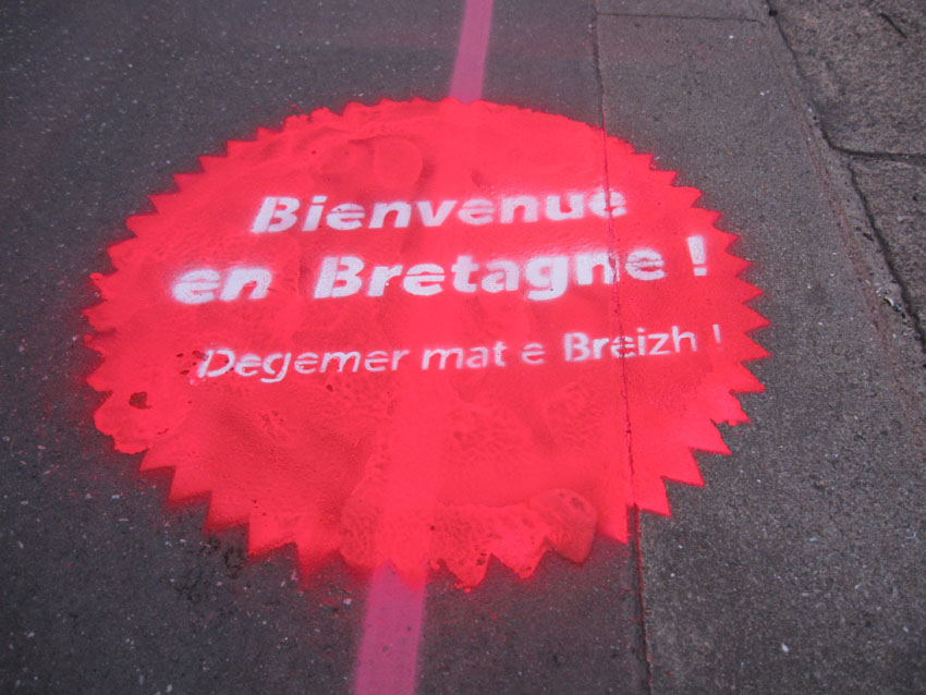 Voyage nantes estuaire 2012 bienvenue en bretagne 44 breizh pour la r unification de for Bienvenue en bretagne