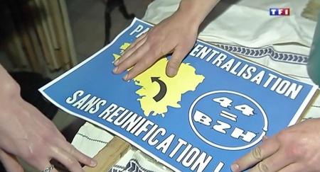 Reportage_TF1_Manifestation_Reunification_44_Breizh_panneau