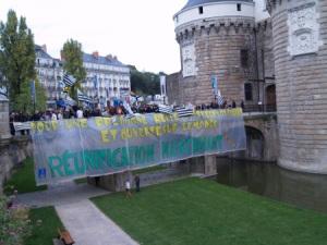 """""""Pour une Bretagne belle, prospère, solidaire et ouverte sur le monde, REUNIFICATION MAINTENANT"""", 2010"""